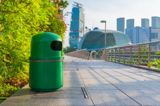 シンガポールのゴミ箱
